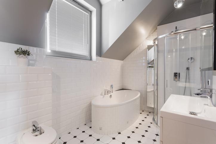 Aménager une petite salle de bain sur mesure